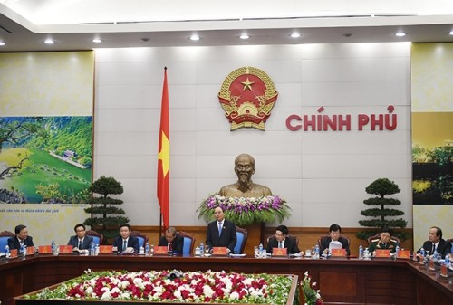 Ông Nguyễn Xuân Phúc chủ trì phiên họp đầu tiên với Chính phủ mới - ảnh 2