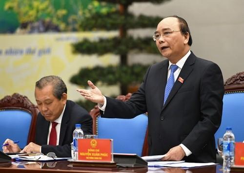 Ông Nguyễn Xuân Phúc chủ trì phiên họp đầu tiên với Chính phủ mới - ảnh 1