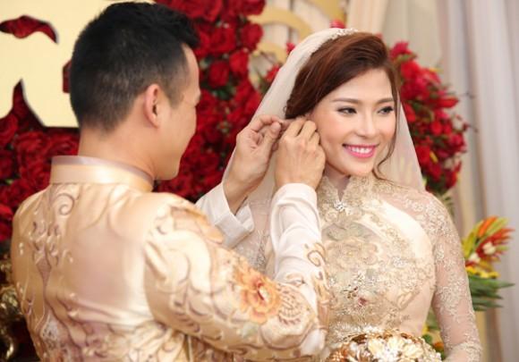 Toàn cảnh đám cưới lãng mạn của Lương Thế Thành - Thúy Diễm - ảnh 6