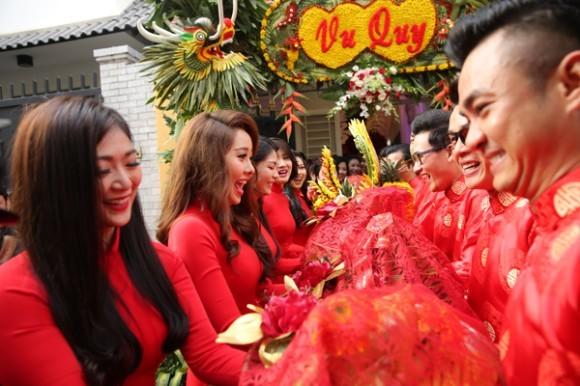 Toàn cảnh đám cưới lãng mạn của Lương Thế Thành - Thúy Diễm - ảnh 4
