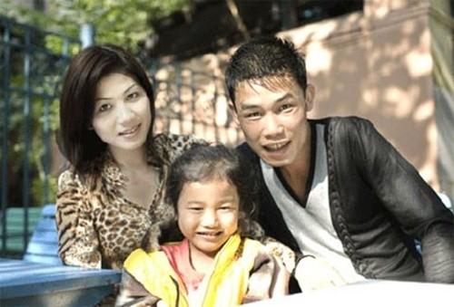 Con gái Hiệp Gà xưng hô 'cô - cháu' với vợ 3 hot girl của bố - ảnh 3