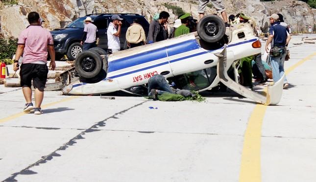 'Đứng ngồi không yên' với cảnh đua xe khiến Lý Hải gặp tai nạn - ảnh 4