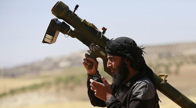 Báo Mỹ: CIA muốn cấp tên lửa cho phe đối lập chống Nga ở Syria - ảnh 1