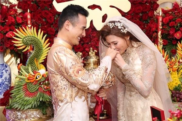 Cô dâu Thúy Diễm lâng lâng hạnh phúc vì nhiều người thương - ảnh 6