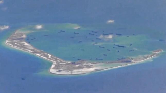 Mỹ nói đảo nhân tạo Trung Quốc ở Biển Đông hủy hoại môi trường - ảnh 1