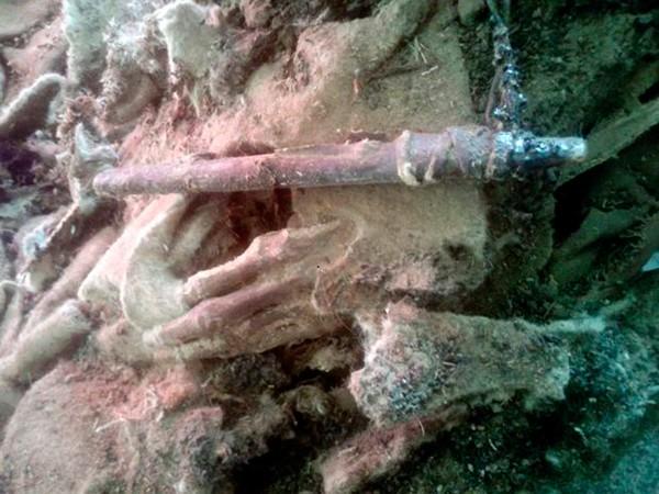 Phát hiện xác ướp 1500 tuổi mang giày Adidas - ảnh 3