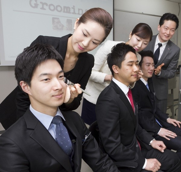 Đàn ông Hàn Quốc ngày càng 'đỏm dáng' - ảnh 4