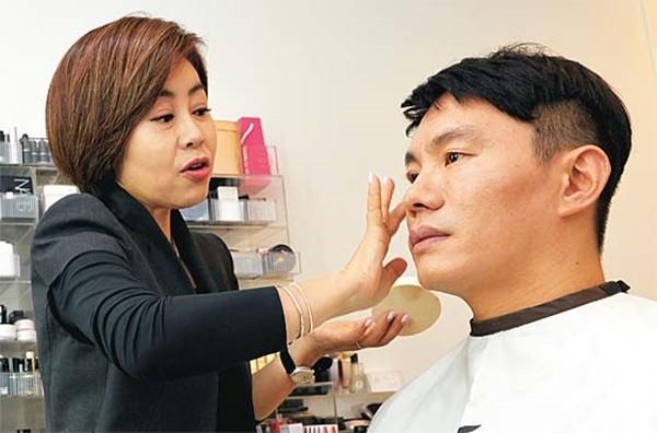 Đàn ông Hàn Quốc ngày càng 'đỏm dáng' - ảnh 6
