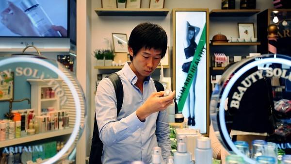 Đàn ông Hàn Quốc ngày càng 'đỏm dáng' - ảnh 8