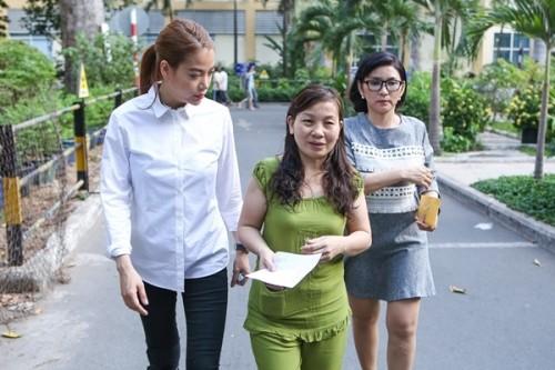 Nữ sinh bị tạt axit được Trương Ngọc Ánh tặng 300 triệu - ảnh 2