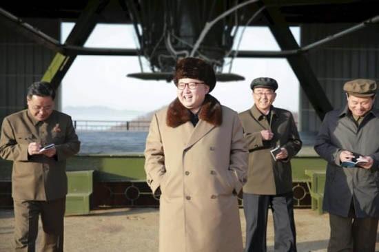 Trung Quốc nói gì sau vụ phóng tên lửa thất bại của Triều Tiên? - ảnh 1