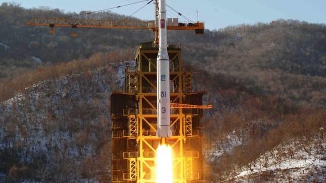 Tên lửa Triều Tiên nổ tung trong ngày sinh nhật Kim Nhật Thành - ảnh 1