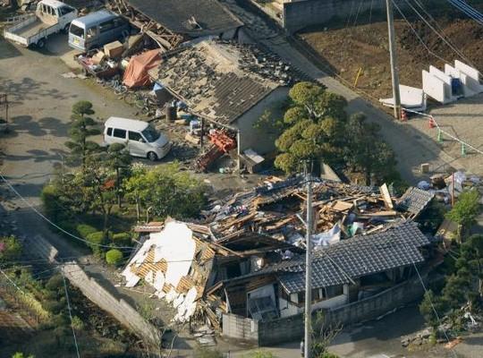 Động đất dữ dội ở Nhật Bản, hơn 750 người thương vong - ảnh 1