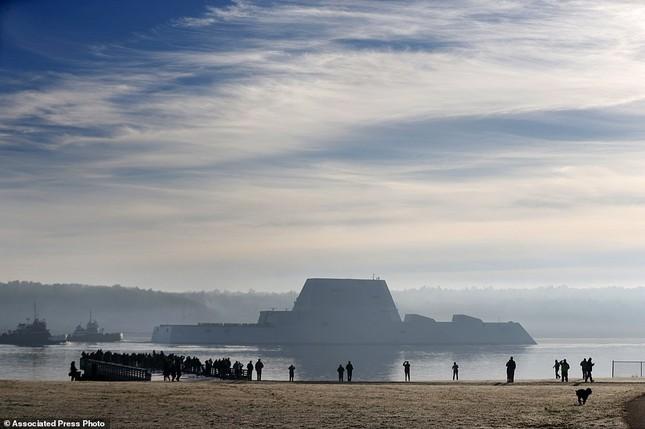 Khu trục USS Zumwalt của Mỹ gây phiền phức vì quá tàng hình - ảnh 3