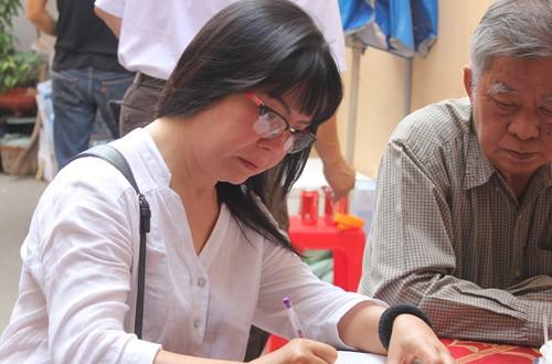 Dàn nghệ sĩ Việt xúc động đến viếng đám tang nhạc sĩ Nguyễn Ánh 9 - ảnh 4