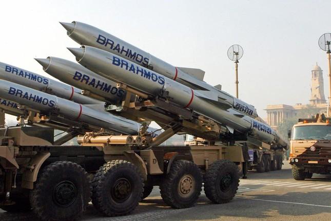 Báo Ấn Độ nói Việt Nam muốn mua 'sát thủ diệt hạm' Brahmos - ảnh 1