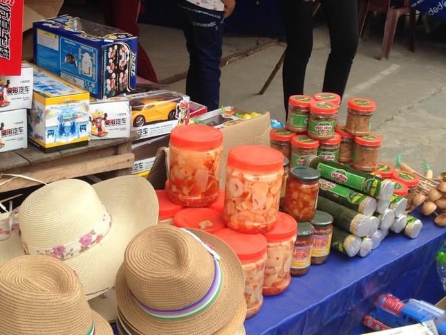 Nỗi lo mất vệ sinh an toàn thực phẩm tại Lễ hội đền Hùng 2016 - ảnh 1