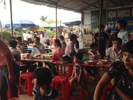 Nỗi lo mất vệ sinh an toàn thực phẩm tại Lễ hội đền Hùng 2016 - ảnh 3