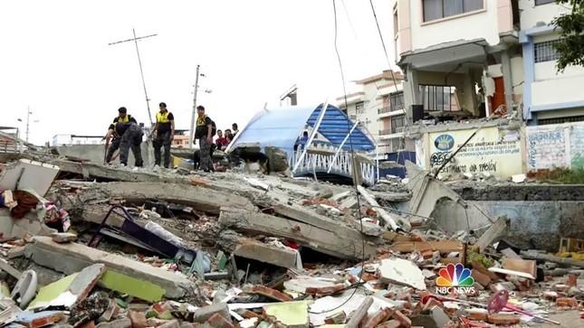 Ít nhất 272 người thiệt mạng trong trận động đất ở Ecuador - ảnh 1