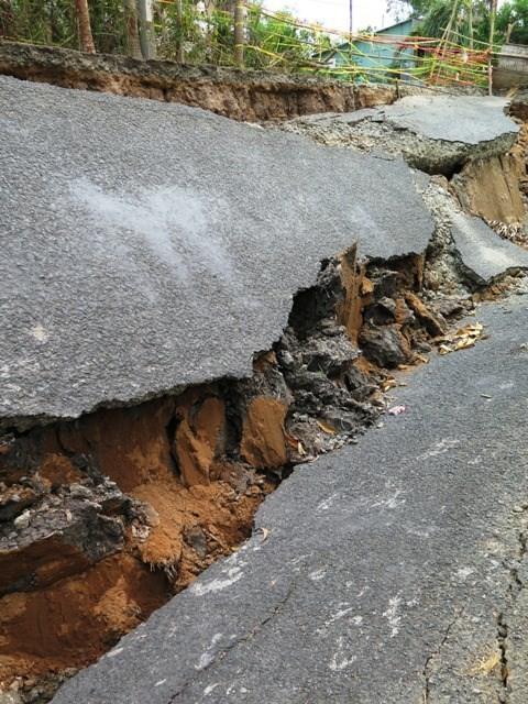 Cà Mau: 'Sống trong sợ hãi' vì khô hạn gây sụp lún - ảnh 2