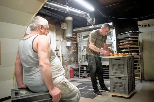 Bán tiệm bánh mì cho người vô gia cư chỉ với...1 euro - ảnh 3