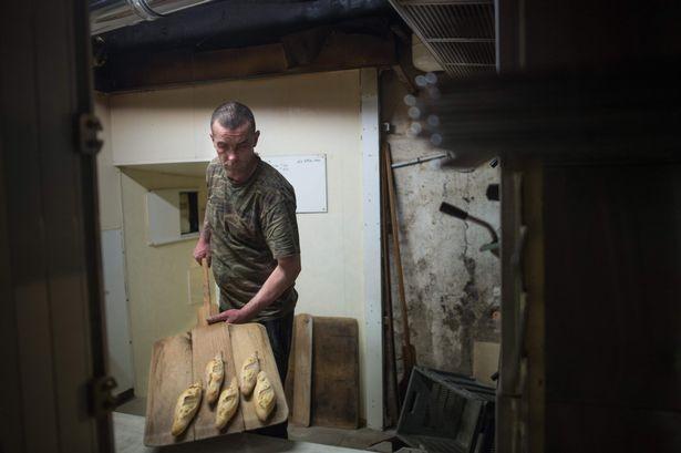 Bán tiệm bánh mì cho người vô gia cư chỉ với...1 euro - ảnh 1