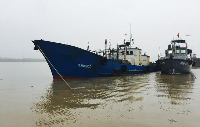 Bắt tàu Trung Quốc xâm phạm chủ quyền trên biển Việt Nam - ảnh 1