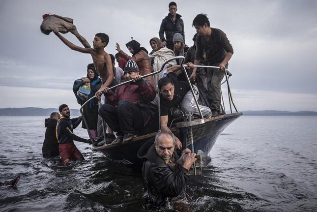 Chùm ảnh hành trình của người tị nạn đoạt giải Pulitzer 2016 - ảnh 2