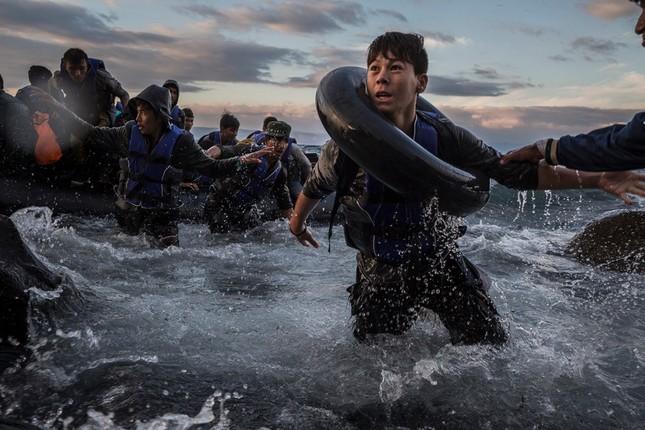 Chùm ảnh hành trình của người tị nạn đoạt giải Pulitzer 2016 - ảnh 4