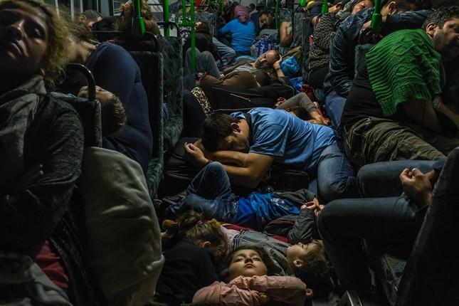 Chùm ảnh hành trình của người tị nạn đoạt giải Pulitzer 2016 - ảnh 6