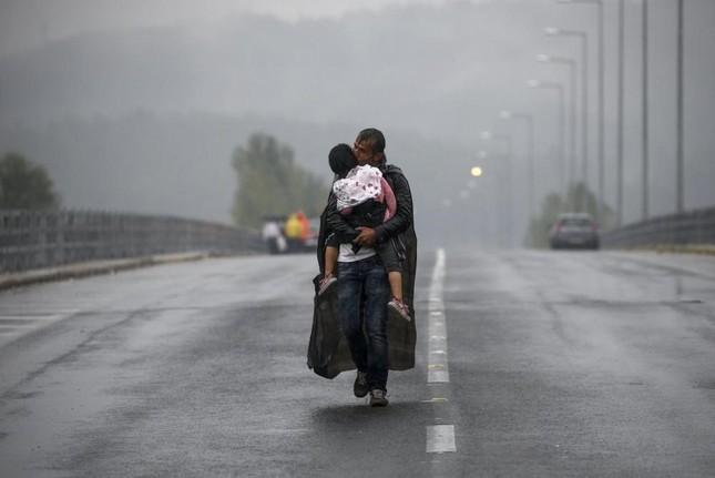 Chùm ảnh hành trình của người tị nạn đoạt giải Pulitzer 2016 - ảnh 11