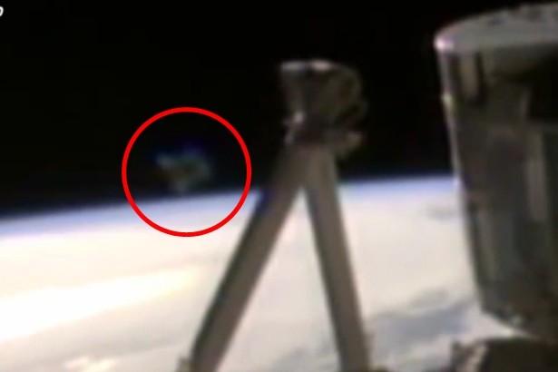 NASA bị 'tố' che giấu người ngoài hành tinh và UFO - ảnh 2