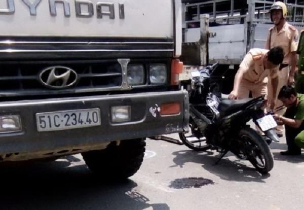 Long An: Một trinh sát hình sự bị xe ben tông tử vong - ảnh 1