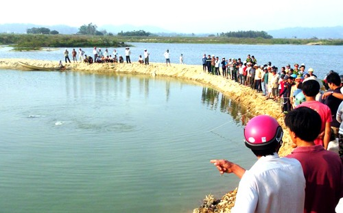 Tình tiết bất ngờ trong vụ 9 học sinh chết đuối ở sông Trà Khúc - ảnh 1
