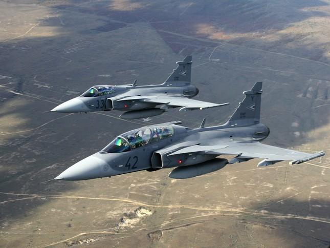 Báo Mỹ nói Việt Nam sắp mua chiến đấu cơ phương Tây - ảnh 1