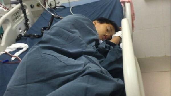 Mẹ ép 2 con uống thuốc sâu ở Hải Dương: Bé 8 tuổi đang nguy kịch - ảnh 1