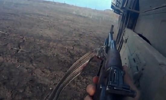 Phút cuối tuyệt vọng của phiến quân IS trước khi bị tiêu diệt - ảnh 1