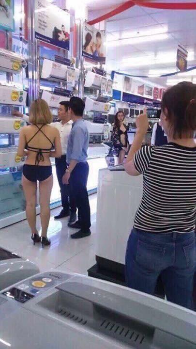 Siêu thị Trần Anh nói lý do cho nhân viên mặc bikini đón khách - ảnh 2
