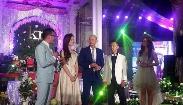 'Đám cưới 100 cây vàng' có Phan Đinh Tùng tham gia gây sốt - ảnh 4