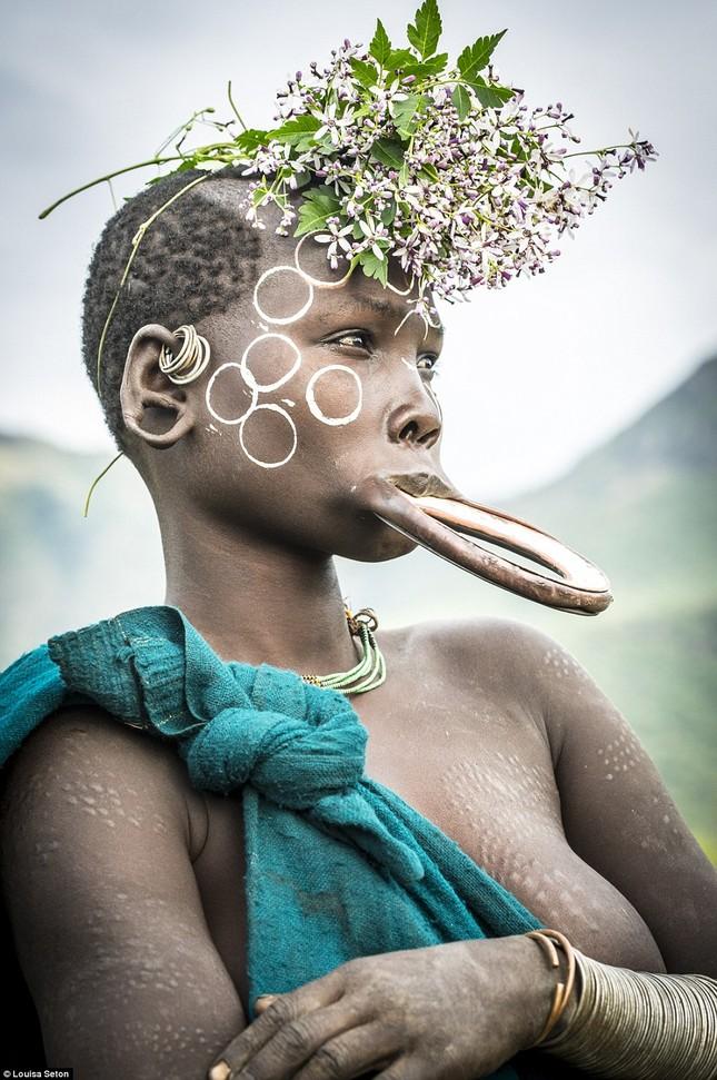 Đến Ethiopia xem bộ lạc kì dị nhất thế giới - ảnh 4