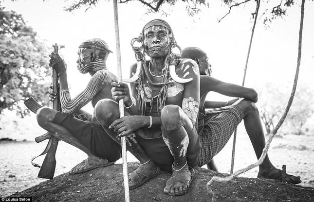 Đến Ethiopia xem bộ lạc kì dị nhất thế giới - ảnh 9