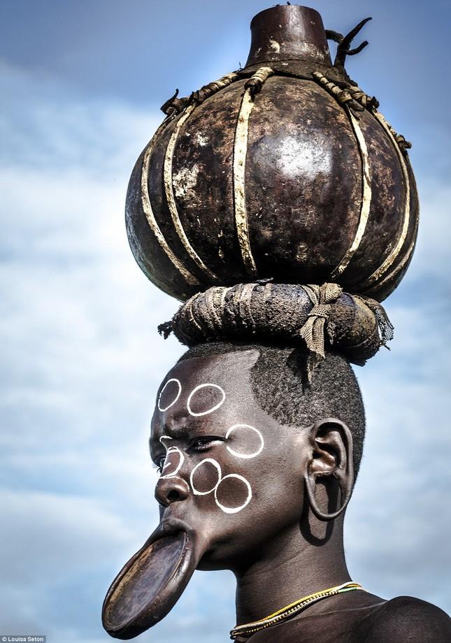 Đến Ethiopia xem bộ lạc kì dị nhất thế giới - ảnh 13
