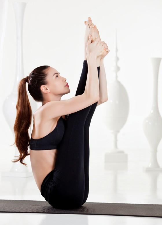 Tập yoga thế nào để dẻo dai, tràn đầy sức sống như Hồ Ngọc Hà? - ảnh 2