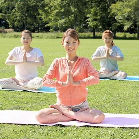 Tập yoga thế nào để dẻo dai, tràn đầy sức sống như Hồ Ngọc Hà? - ảnh 3