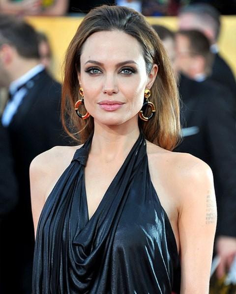 Angelina Jolie nguy kịch nhập viện, chỉ còn 35kg? - ảnh 3