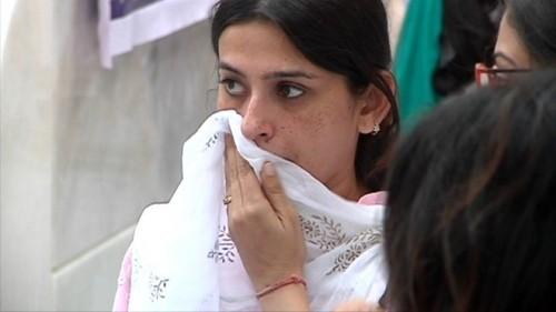 Lễ tưởng niệm trong nước mắt của 'Cô dâu 8 tuổi' Pratyusha - ảnh 13