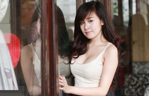 Video Bà Tưng tuyên bố: 'Nếu được trả hơn 1 tỷ thì Tưng lại cởi' - ảnh 1
