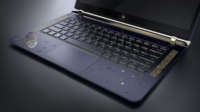 Ngắm 'tuyệt tác' laptop siêu mỏng dát vàng 14K của HP - ảnh 4