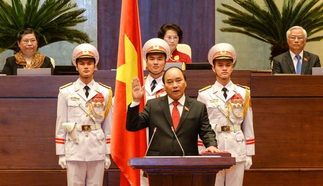 Tân Thủ tướng Chính phủ Nguyễn Xuân Phúc tuyên thệ nhậm chức - ảnh 1