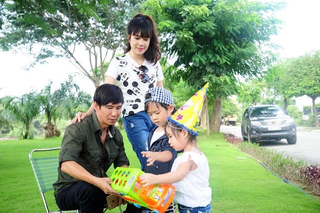 Con trai 4 tuổi của Lý Hải bất ngờ đóng phim 15 tỷ Lật Mặt 2 - ảnh 1